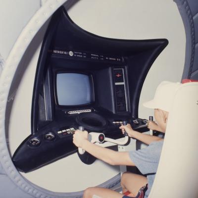 「シミュレート・ホール」の操縦席
